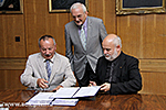 Signing an agreement between UP MS and the Hungarian Baptist Aid